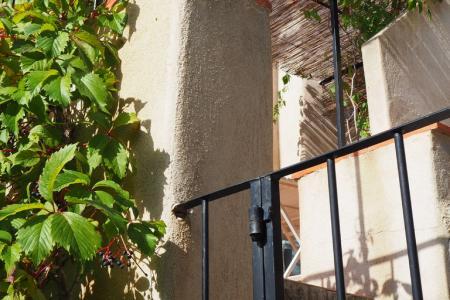 COTIGNAC Beaucoup de charme! Terrasse et parking! - Image 3