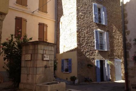 LORGUES,  joli maison de village avec terrasse - Image 2