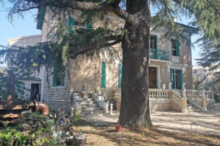 LES ARCS SUR ARGENS Rare  old property with independant apartment
