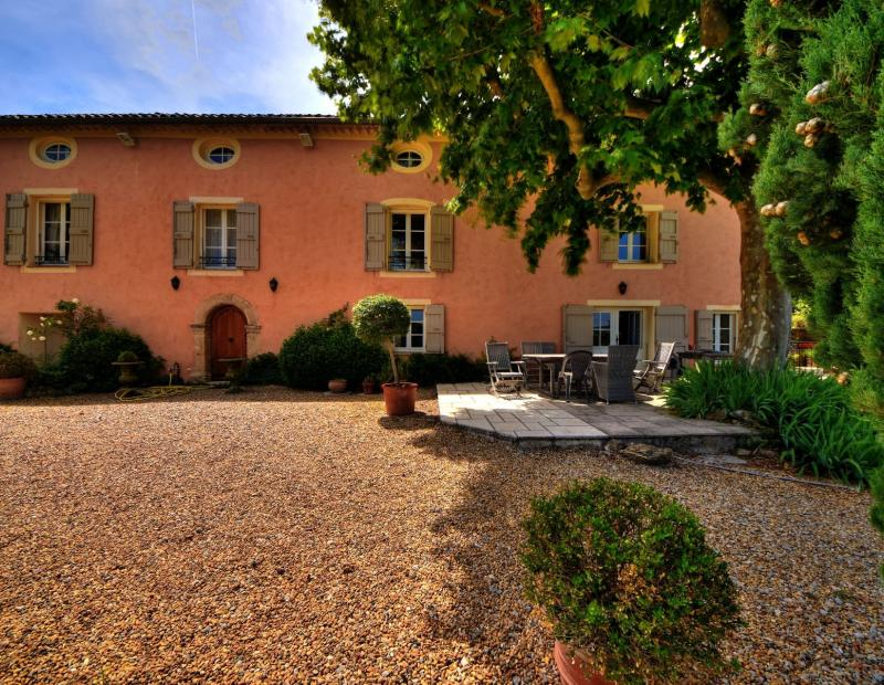 COTIGNAC for sale Superb property sets on 3 ha on land with olive trees