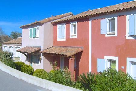 Roquebrune / s-Argens, maison 3 chambres et place de parking dans un domaine avec piscine