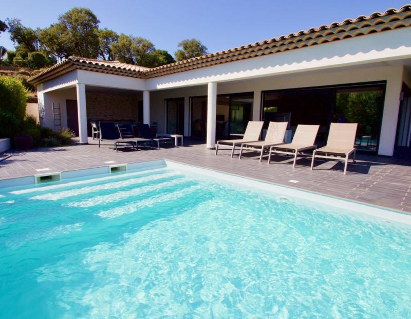 Superb modern property Les Issambres - Image 3