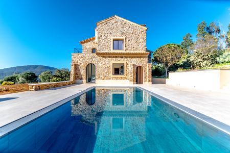 STE MAXIME Propriété en pierres de 550 m² avec maison d'amis sur 7 ha - Image 2