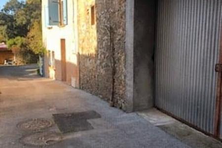 LE THORONET Garage to renovate 74 m²