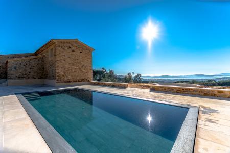 STE MAXIME Propriété en pierres de 550 m² avec maison d'amis sur 7 ha - Image 3