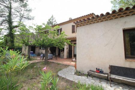 Cabasse, agréable maison au coeur de la Provence Verte