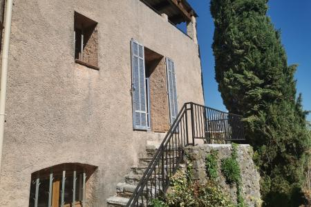 LORGUES ,  maison en pierre avec 3 chs + appartement independant