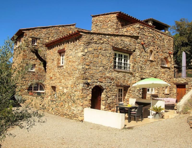 Plan de la Tour - UNIQUE! Dans un joli hameau, petite maison avec 1 chambre et terrasse. - Image 2