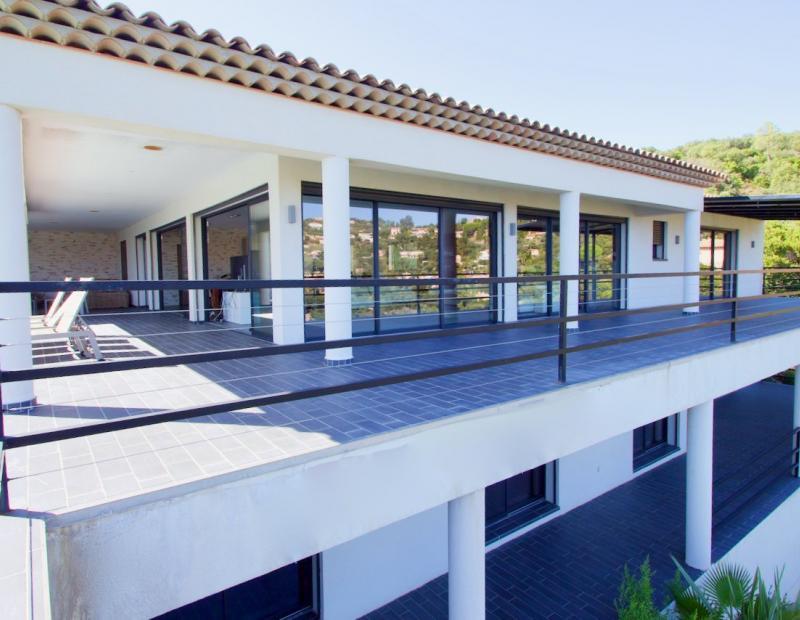 Superb modern property Les Issambres - Image 2