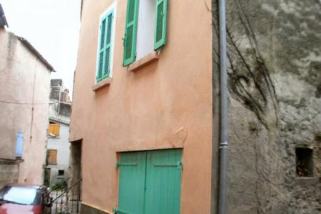 LORGUES  charmante maison de village avec garage