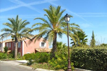 Roquebrune / s-Argens, maison 3 chambres et place de parking dans un domaine avec piscine - Image 2