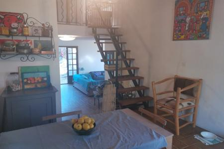 LORGUES,  maison traditionnelle d environ 90 m² sur 4976 m²