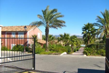 Roquebrune / s-Argens, maison 3 chambres et place de parking dans un domaine avec piscine - Image 3