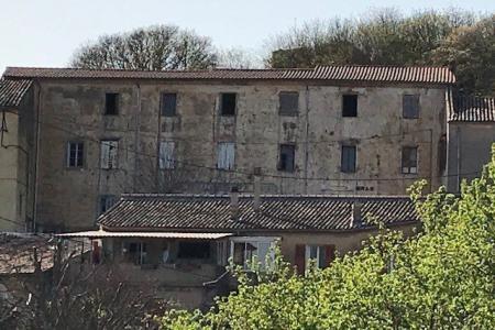 Bras maison en pierres 420m2 à rénover