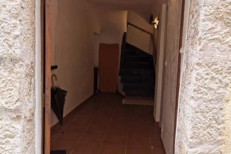 LORGUES Village house 80 m² 3 bedrooms - Image 2